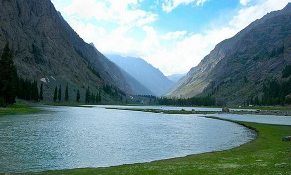 mahodand-fish-lake-kalam-swat-kpk-pakistan-1364569227_b